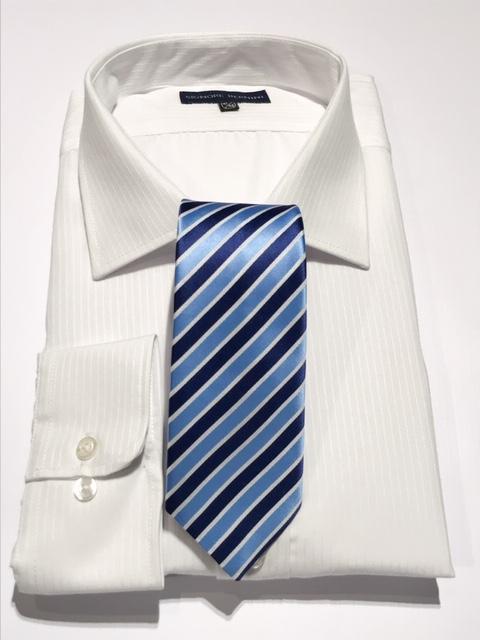 Corbata y camisa de vestir