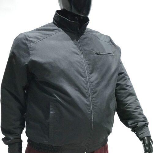 Campera microfibra negra talles especiales.