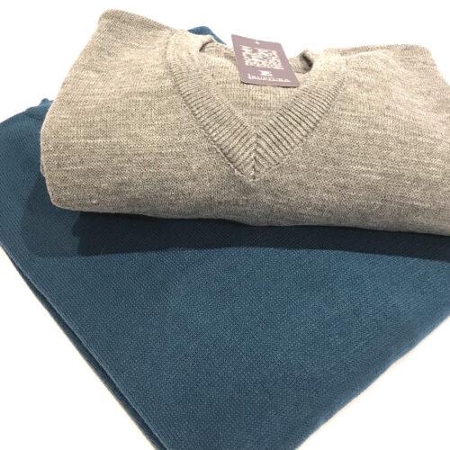 Sweater tejido talles grandes azulino y gris perla